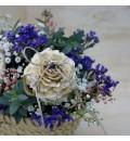 Capazo con flor para anillos rosa y lila