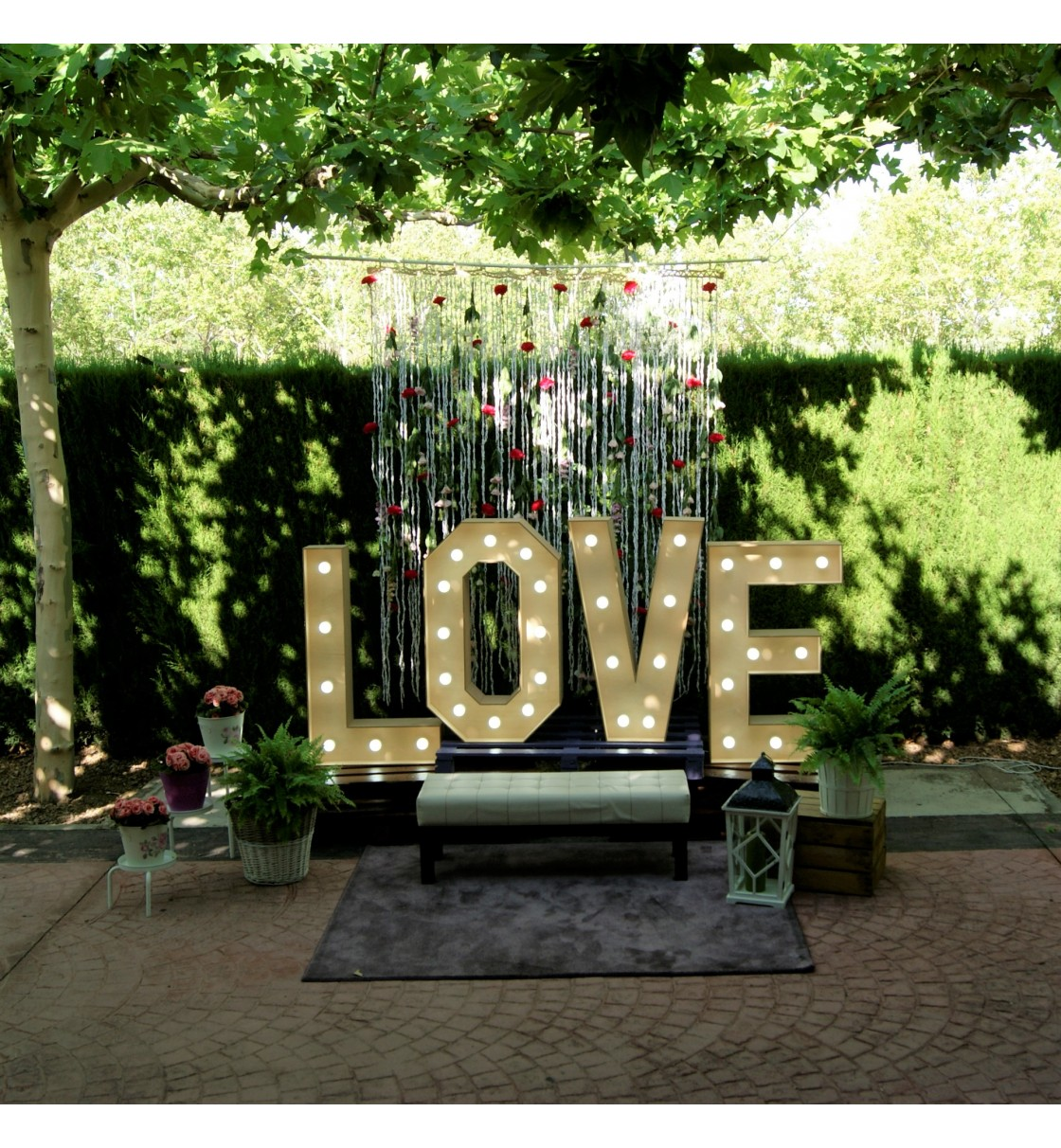 Photocall Love con cortina floral