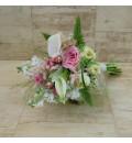 Ramo de novia con calas, rosas rosa y astilbe rosa.