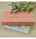 Tronco de madera grabada para anillos de boda