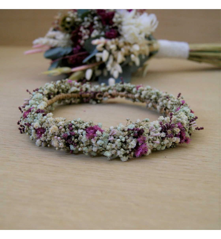 Corona para niña de arras con paniculata preservada blanca y toques rosa