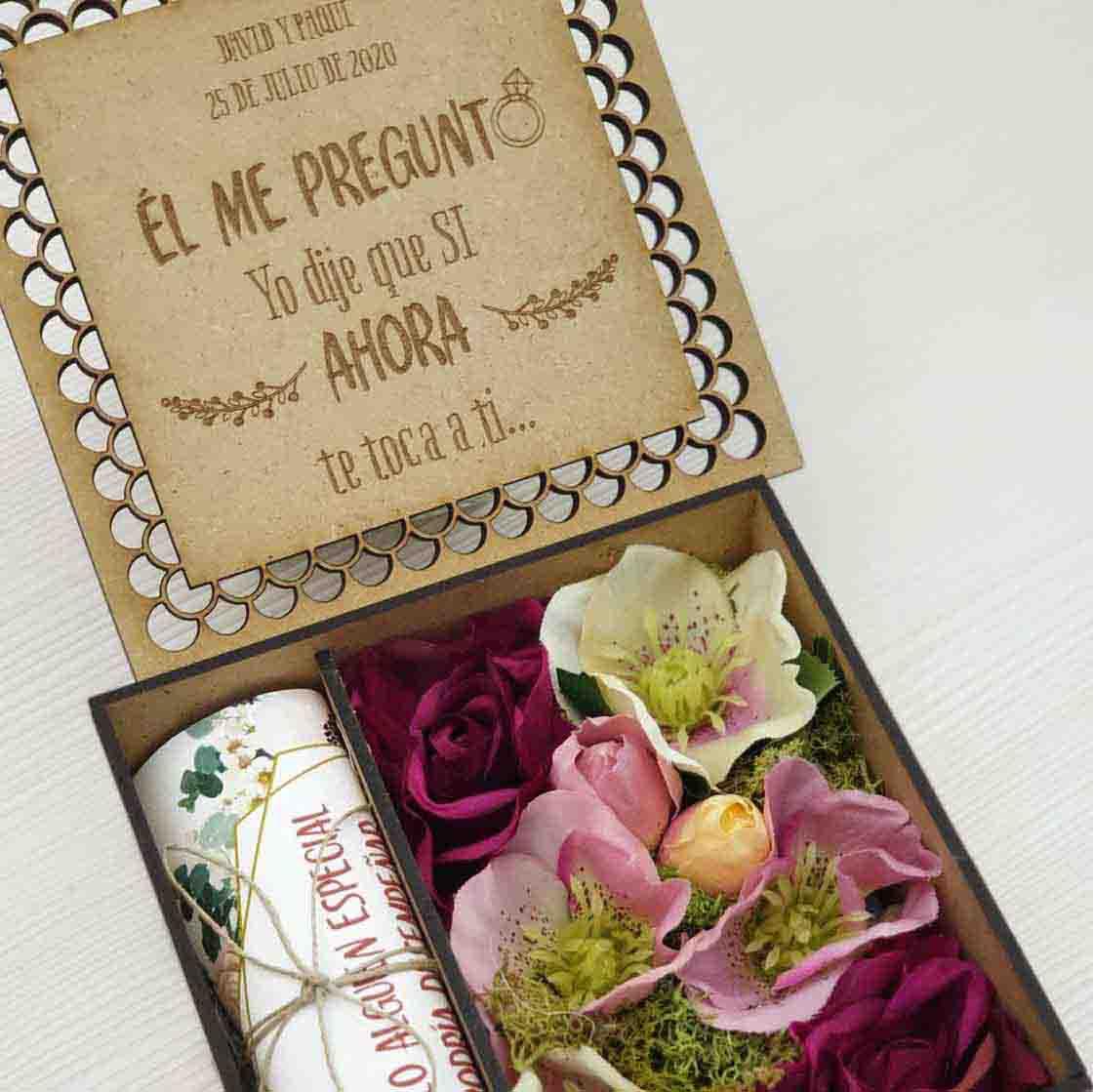Bolígrafo para testigo de boda en caja de regalo